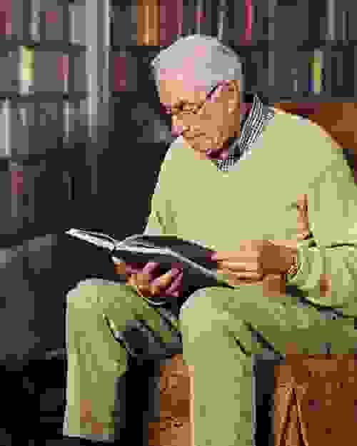 7, Đọc sách thường xuyên có tác dụng tăng cường trí nhớ. 1