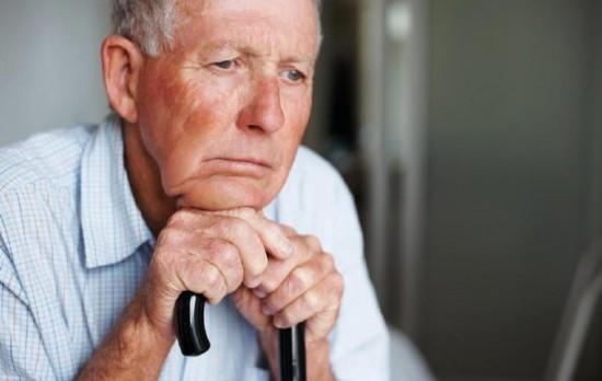 Bệnh mất trí nhớ ở người già 1