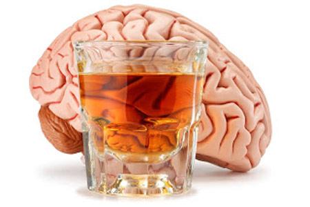Uống nhiều rượu, bia làm tăng nguy cơ teo não gấp đôi 1
