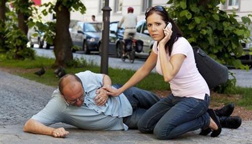 Xử lý khi gặp người đột quỵ do nắng nóng 1